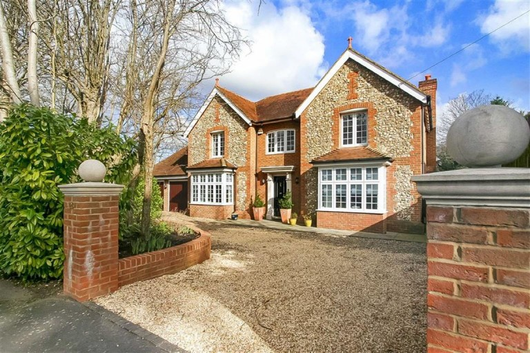 The Ridge Way, Sanderstead, South Croydon, Surrey - EAID:SHINEROCKSPAPI, BID:1