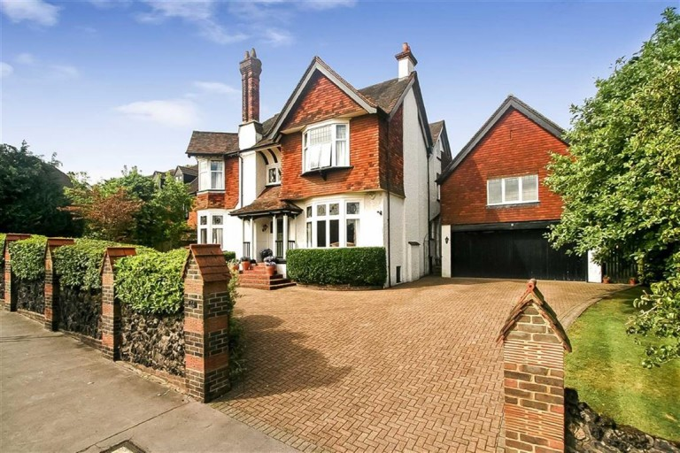Croham Manor Road, Croham Hurst, South Croydon, Surrey - EAID:SHINEROCKSPAPI, BID:1