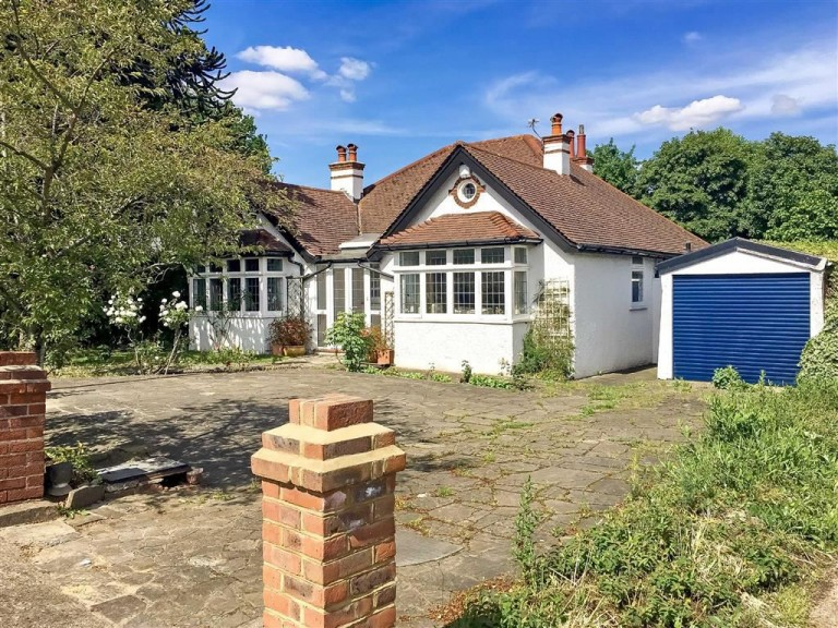 Woodcote Road, Purley, Surrey - EAID:SHINEROCKSPAPI, BID:1