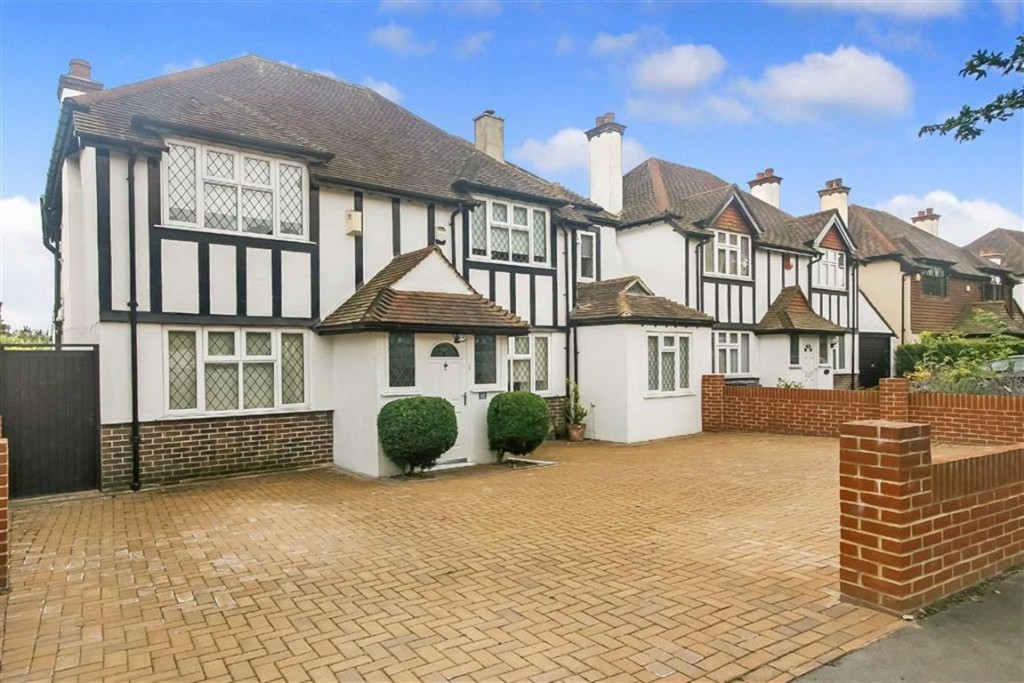 Images for Mount Park Avenue, South Croydon, Surrey EAID:SHINEROCKSPAPI BID:1