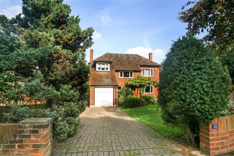Bankside, Croham Hurst, South Croydon, Surrey - EAID:SHINEROCKSPAPI, BID:1