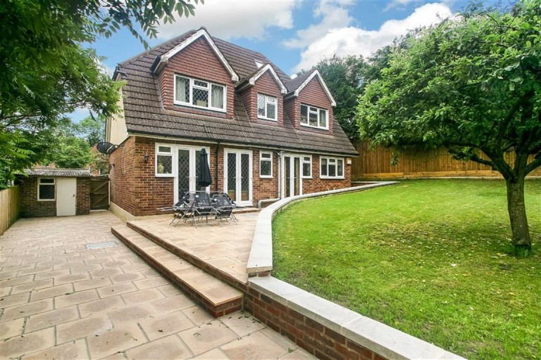 Shirley Avenue, Coulsdon, Surrey - EAID:SHINEROCKSPAPI, BID:1