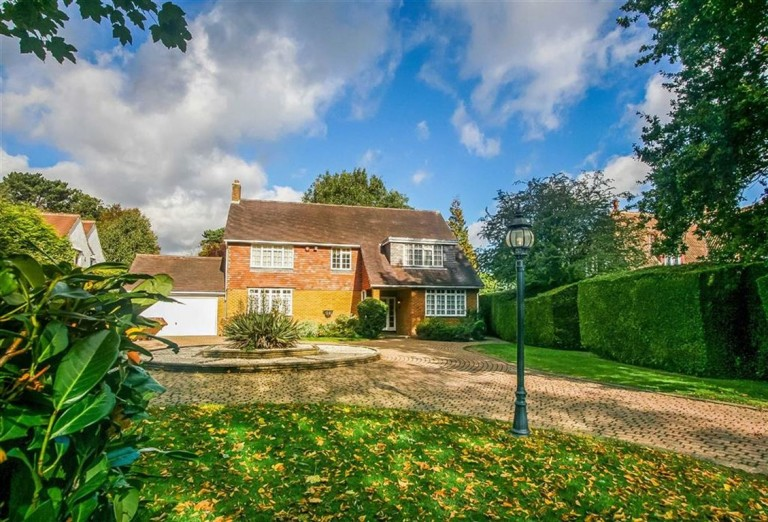 Hillcroft Avenue, Woodcote Estate, Purley, Surrey - EAID:SHINEROCKSPAPI, BID:1