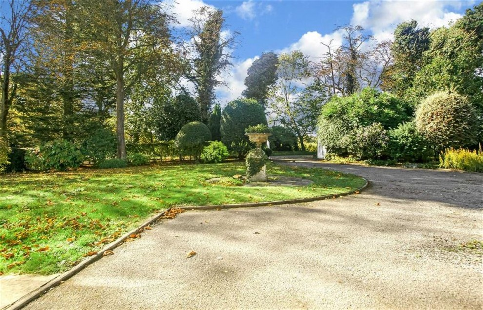 Images for Woodcote Park Avenue, Woodcote Estate, Purley, Surrey EAID:SHINEROCKSPAPI BID:1