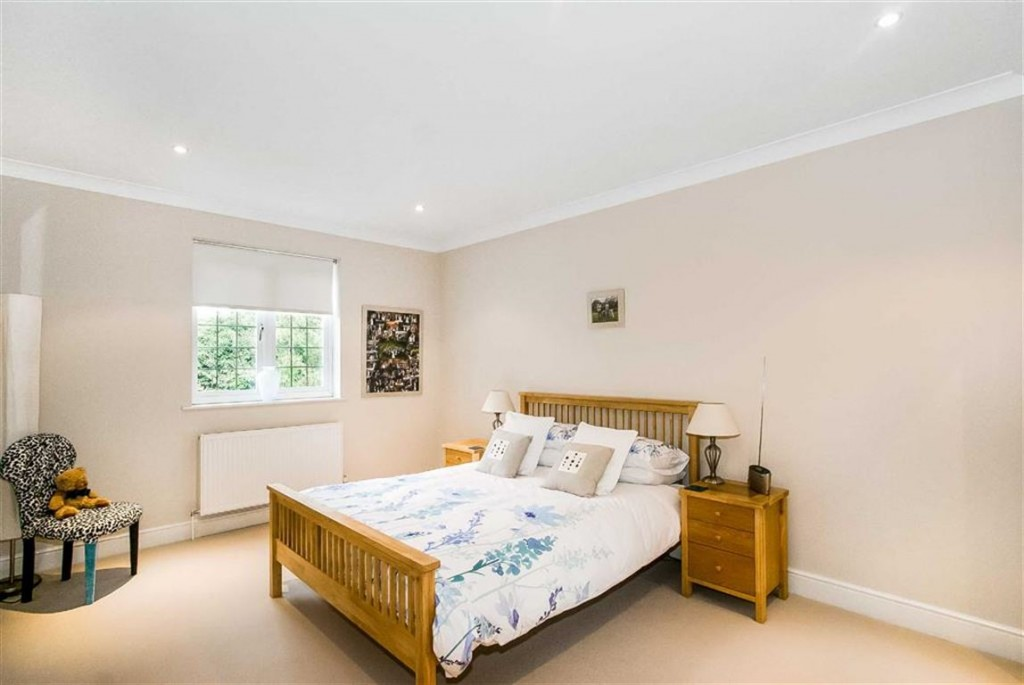 Images for Deacon Close, Purley, Surrey EAID:SHINEROCKSPAPI BID:1