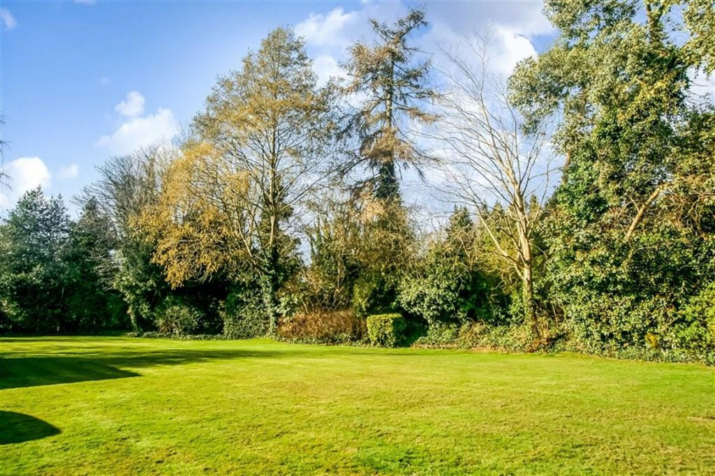 Images for Upper Woodcote Village, Webb Estate, West Purley EAID:SHINEROCKSPAPI BID:1