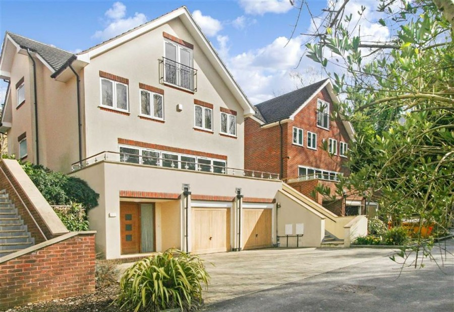 Images for Highland Road, Purley, Surrey EAID:SHINEROCKSPAPI BID:1