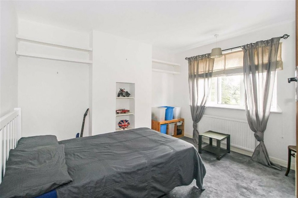 Images for Glenn Avenue, Purley, Surrey EAID:SHINEROCKSPAPI BID:1
