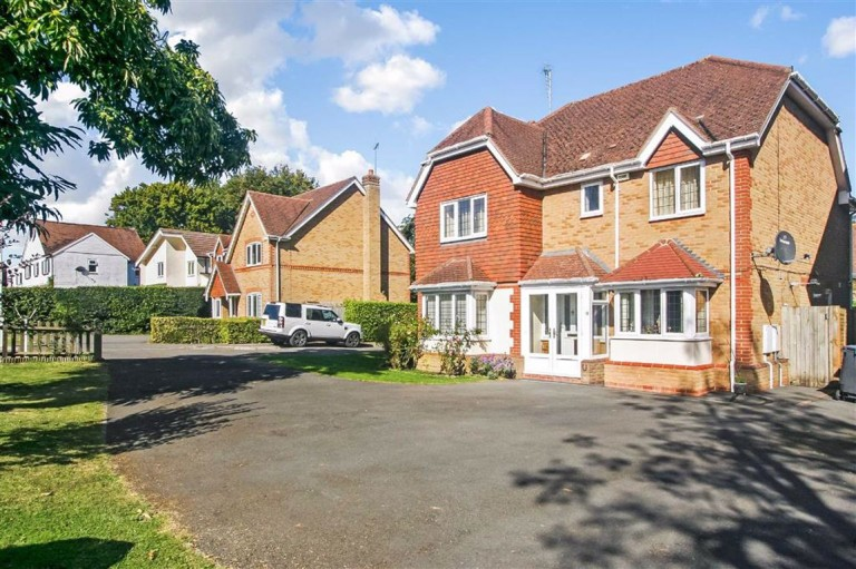 Cardinal Close, Sanderstead, South Croydon, Surrey - EAID:SHINEROCKSPAPI, BID:1